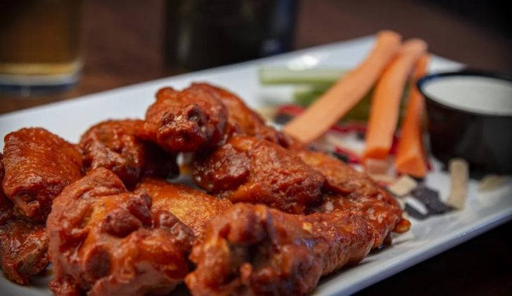 how to reheat wings